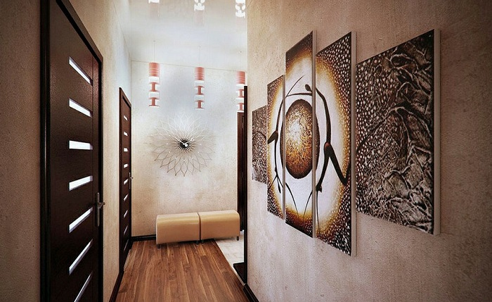 Абстрактный декор в интерьере прихожей. / Фото: Dizainexpert.ru