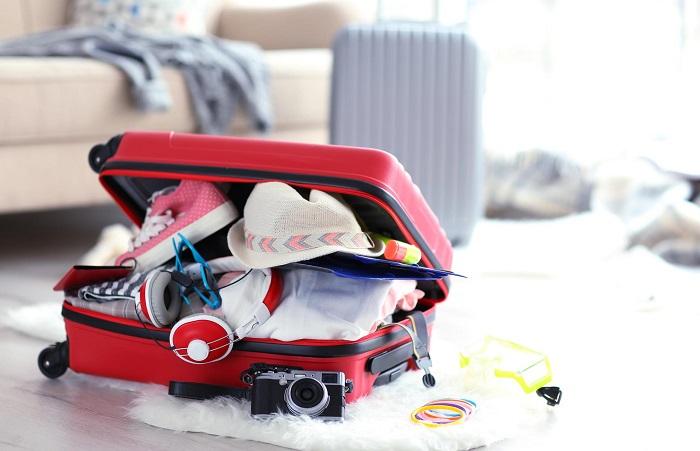 Проверяйте, насколько хорошо верх и низ одежды сочетаются между собой, а не бросайте в чемодан все подряд. / Фото: styleprofi.ru