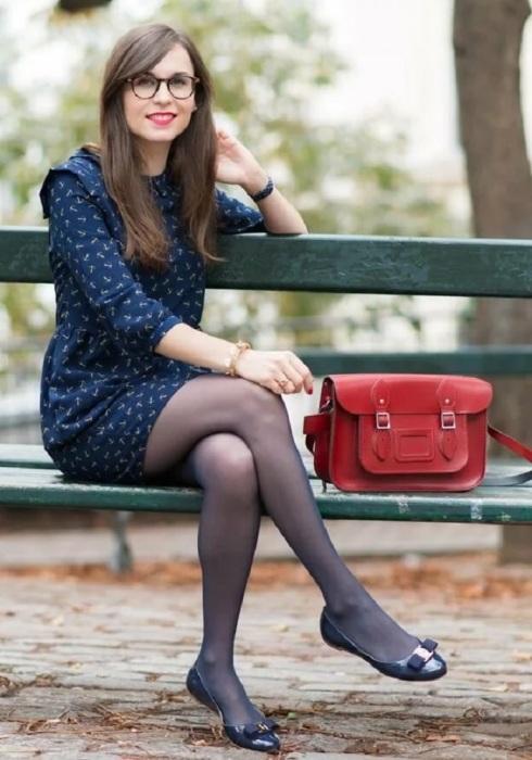 Колготки нельзя носить с балетками. / Фото: Pinterest.com.au