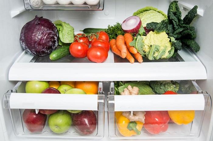 Овощи и фрукты хранятся в специальных отсеках. / Фото: Medaboutme.ru