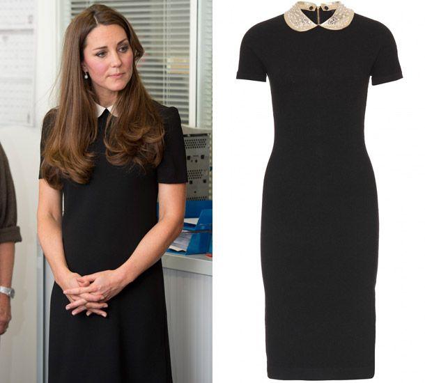 Беременная Кейт Миддлтон в черном платье с воротником-стойкой