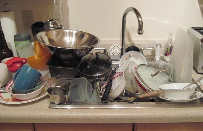 Люди, которые оставляют грязную посуду, не думают о завтрашнем дне. / Фото: Fb.ru