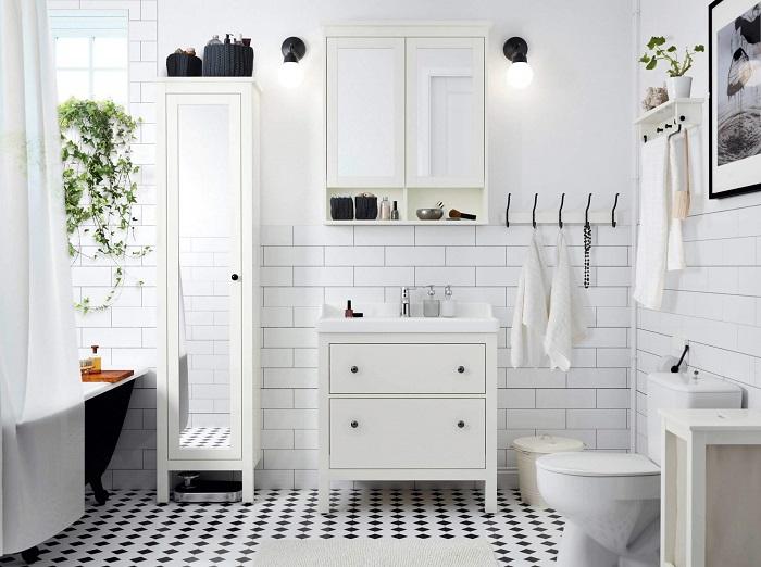 Мебель для ванной должна быть компактной и вместительной. / Фото: artm.pro