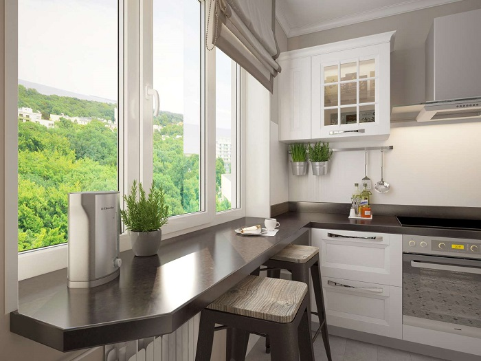 Барная стойка из подоконника уместна в том случае, если есть красивый вид из окна. / Фото: roomester.ru