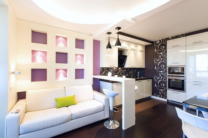 В качестве спального места можно выбрать диван. / Фото: Yellowhome.ru