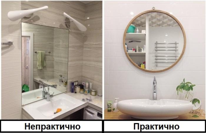 Если зеркало висит за раковиной, на него постоянно попадают брызги