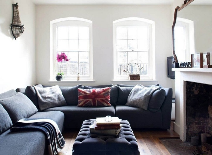 Крупногабаритные диваны занимают все место в комнате. / Фото: Archidea.com.ua