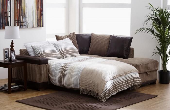 Вместо раскладного дивана лучше купить кровать. / Фото: design-homes.ru