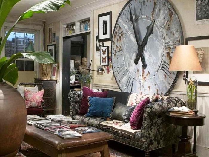 Большое количество настенного декора в маленькой комнате портит интерьер. / Фото: pinterest.nz