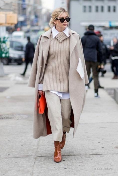 Рубашка, свитер и пальто формируют многослойный образ. / Фото: mirtesen.ru