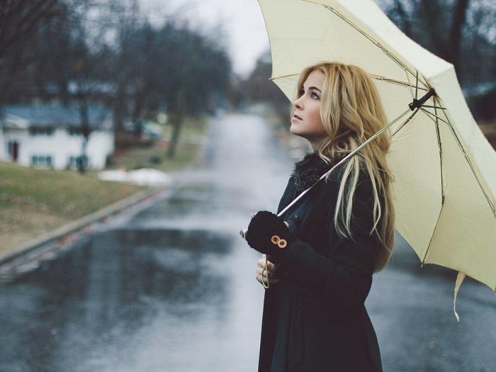 Пасмурная погода - не повод отказывать от солнцезащитного крема. / Фото: Goodfon.ru
