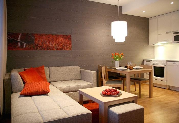Диван-кровать будет более комфортным вариантом, чем кресло. / Фото: Zen.yandex.ua