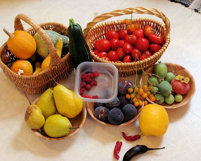 Свежие фрукты и овощи невероятно полезные. / Фото: pinterest.ru