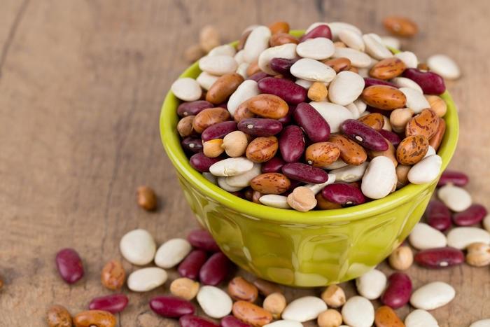 В бобовых содержится белок, который желудок долго переваривает. / Фото: 4vkusa.mirtesen.ru