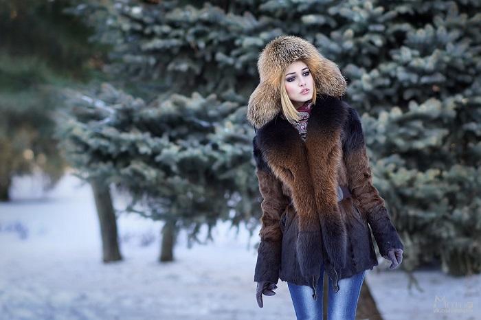 Меховая шапка в комплекте с шубой - это перебор. / Фото: Moya-shubka.ru