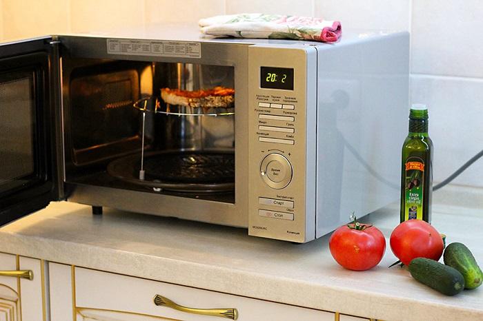 Микроволновая печь появилась благодаря батончику. / Фото: eda-land.ru