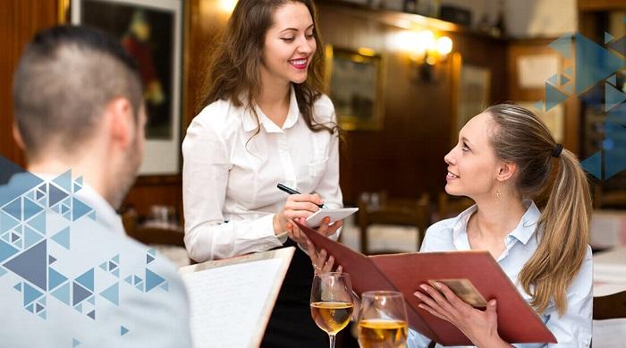 Официанты задают вопросы, предполагающие выбор, а не отказ. / Фото: zen.yandex.ru