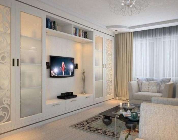Встроенный шкаф - отличный вариант системы хранения. / Фото: homeli.ru