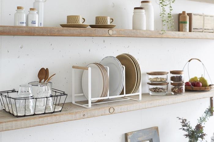 Красивая посуда позволяет сделать интерьер кухни более эстетичным. / Фото: goodslike.ru