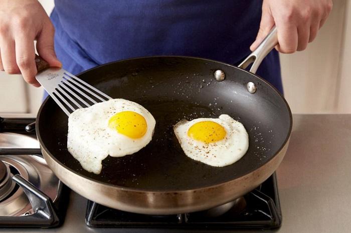 Яичница - самый популярный вариант завтрака. / Фото: fb.ru