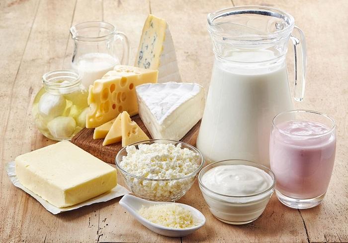 В молочных и кисломолочных продуктах много кальция и козеина. / Фото: worldofmeat.ru