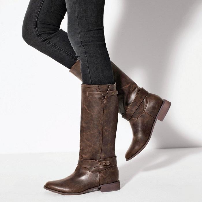 Объемные сапоги не дарят ногам тепло. / Фото: Pinterest.se