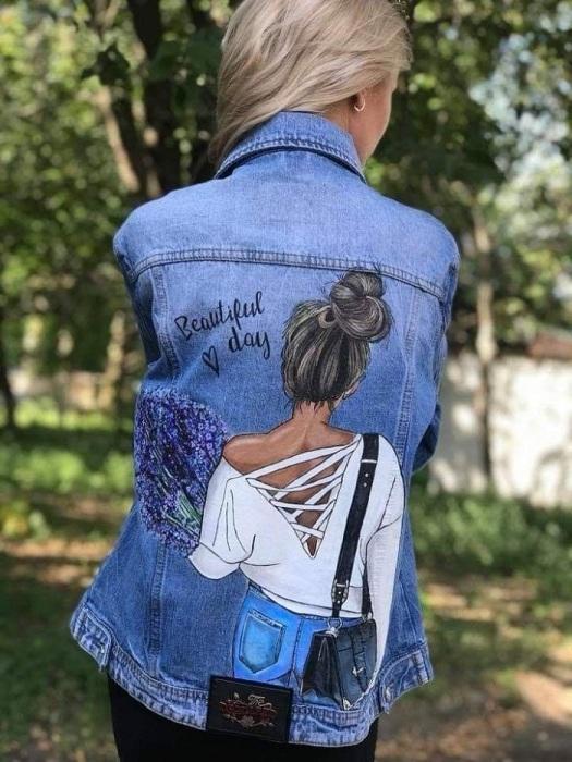 Рисунок на спине смотрится ярко и стильно. / Фото: Pinterest.com