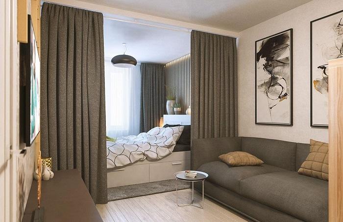 Шторы используются для зонирования спального места. / Фото: dekormyhome.ru