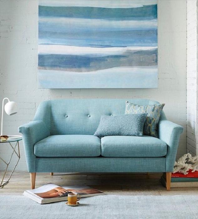 Маленький диван не практичный. / Фото: Pinterest.ru