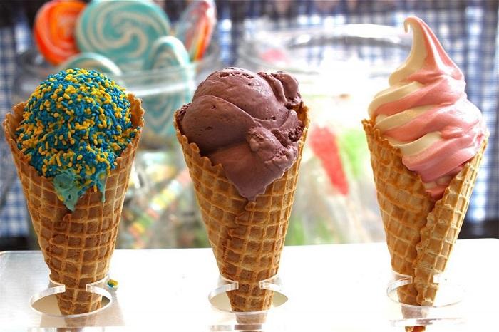 Домашнее мороженое сильно отличается по вкусу от магазинного. / Фото: fb.ru