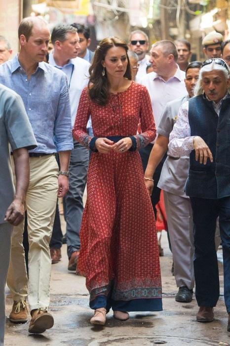 Кейт Миддлтон в столице Индии Нью-Дели. / Фото: woman.ru