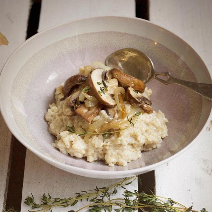 Овсянка с луком и грибами. / Фото: domos.ru