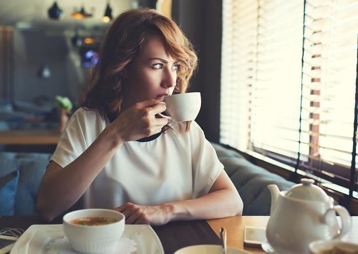 Выпейте кофе и подумайте, нужна ли вам эта вещь. / Фото: syl.ru