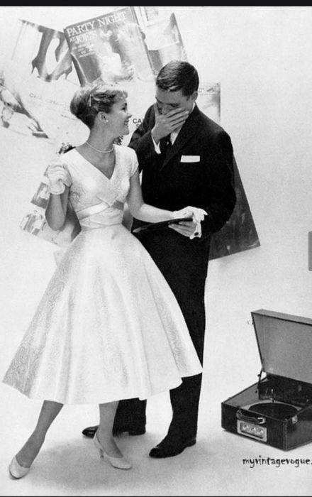 Свадебный образ 50-х годов. / Фото: pinterest.ru