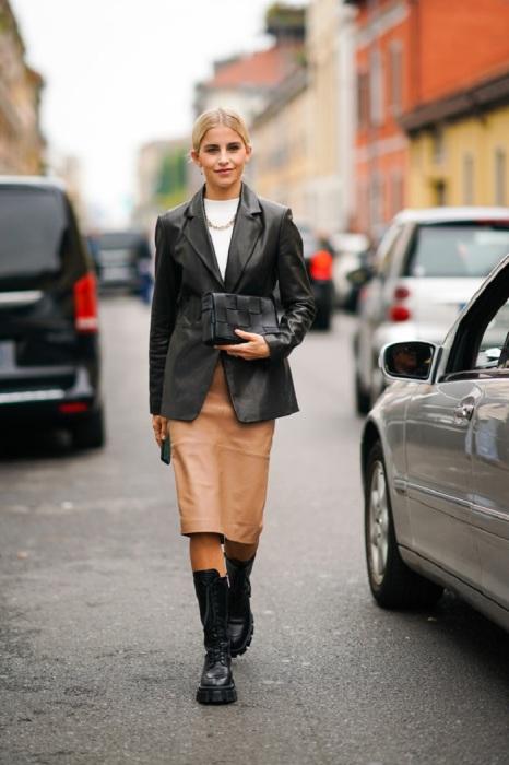 Кожаный тотал-лук смотрится дерзко, но при этом элегантно. / Фото: elle.ru