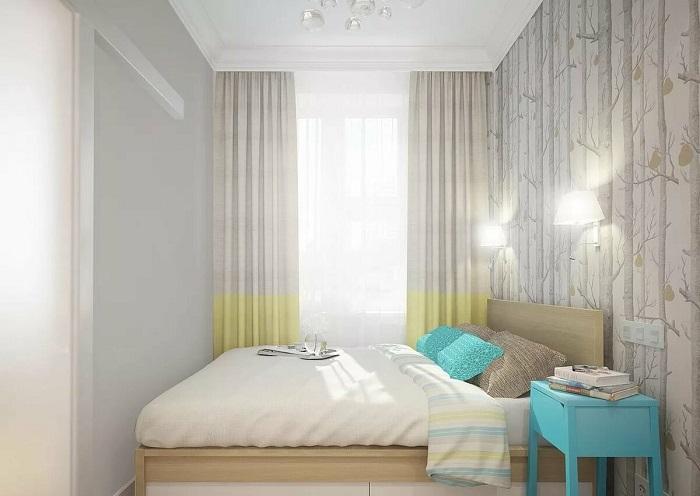 При нехватке места, кровать размещается в самом углу. / Фото: Ratatum.com