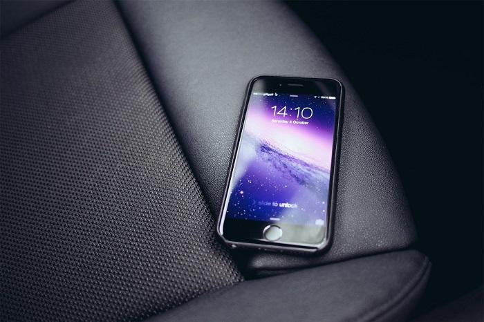 Мороз негативно отражается на работоспособности смартфона. / Фото: twimg.com