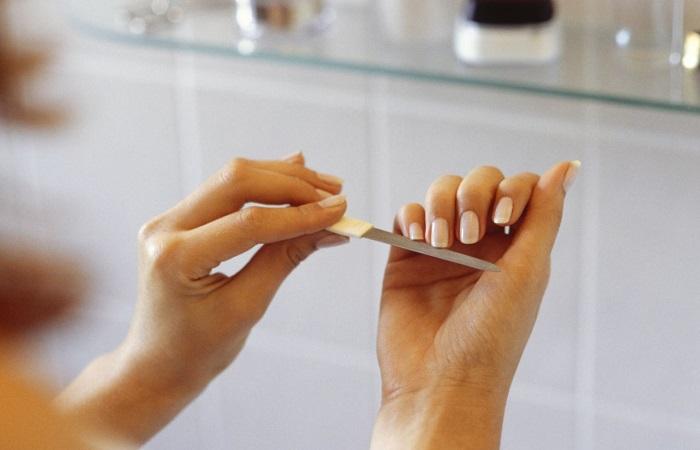 Ногти нужно аккуратно подпиливать. / Фото: heaclub.ru