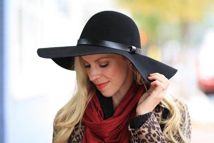 Большие шляпы нужно подбирать в зависимости от типа фигуры и овала лица. / Фото: Shafa.ua