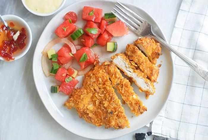 Курица в панировке из чипсов. / Фото: povar.ru