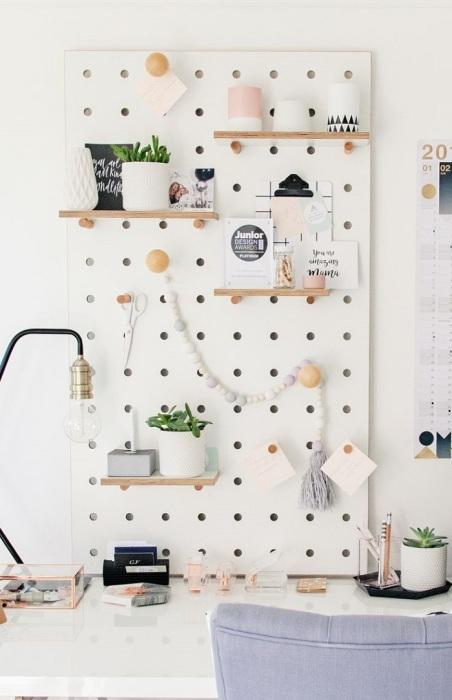 На пигборде можно хранить заметки, чеки. / Фото: Pinterest.es
