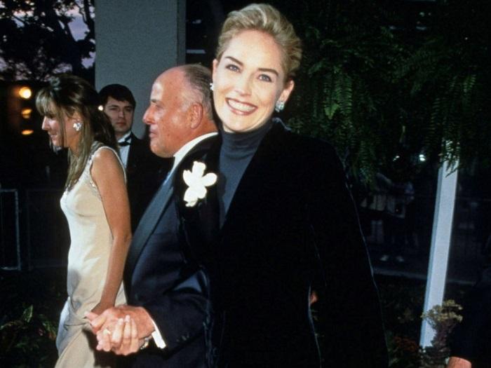 Шэрон Стоун на церемонии вручения премии «Оскар» в 1996 году. / Фото: glamour.ru