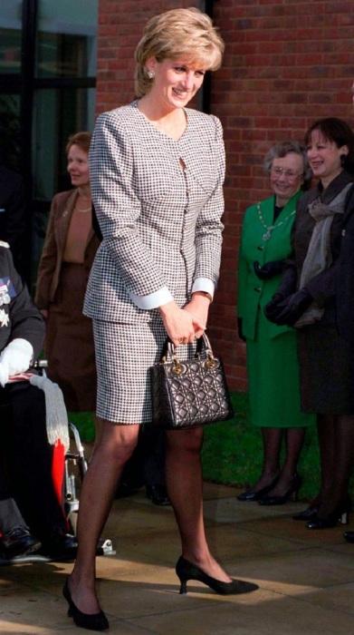 Принцесса Диана в Бирмингеме. / Фото: marieclaire.ru