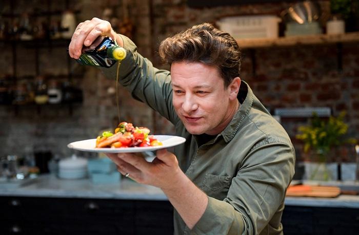 Английский шеф-повар Джейми Оливер. / Фото: almode.ru
