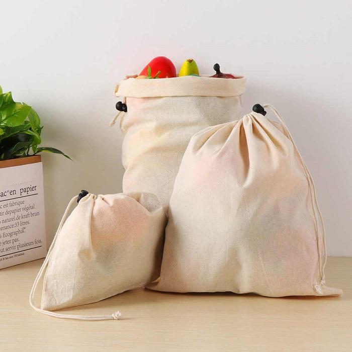 Мешочки с овощами хорошо вписываются в интерьер кухни. / Фото: Postila.ru