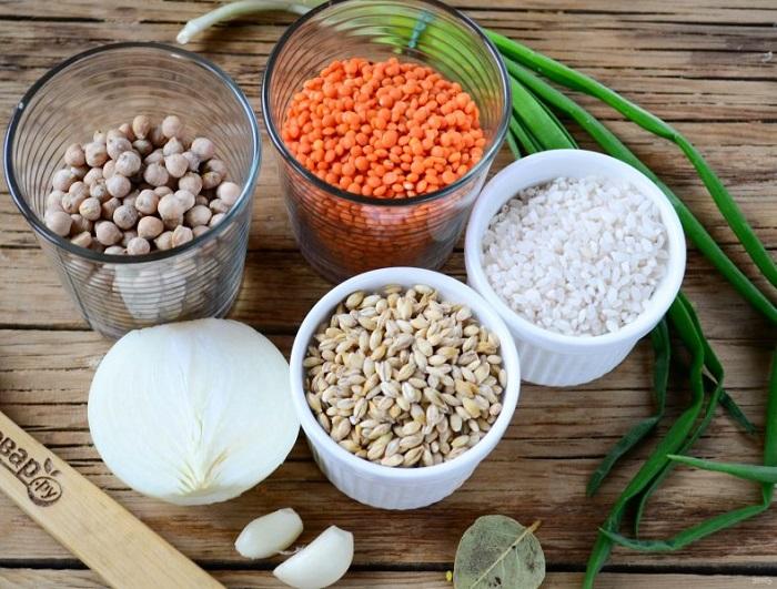 Крупы и бобовые можно смешать, чтобы получилось вкусное блюдо. / Фото: povar.ru