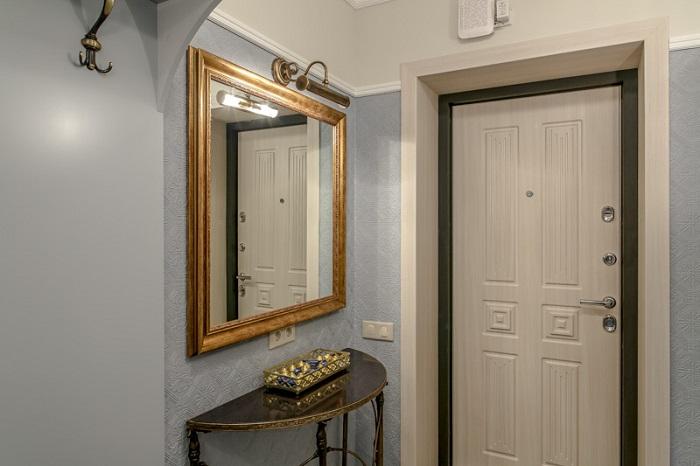 Выбирайте зеркало в красивой раме. / Фото: severdv.ru
