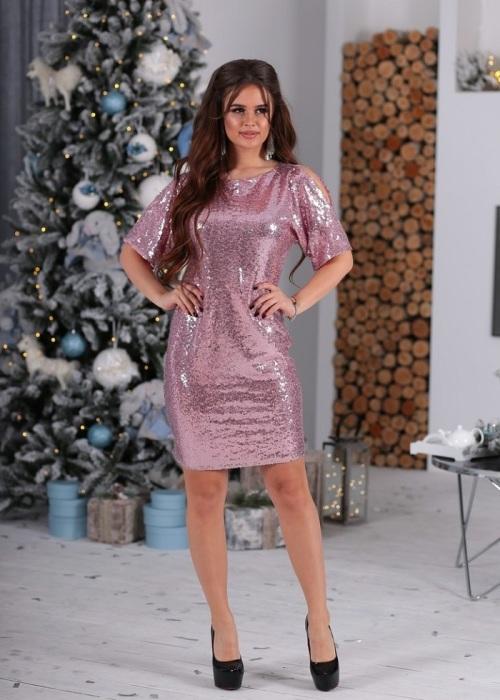 Блестящее платье пастельного оттенка - идеальный вариант для новогодней ночи. / Фото: klubok.com