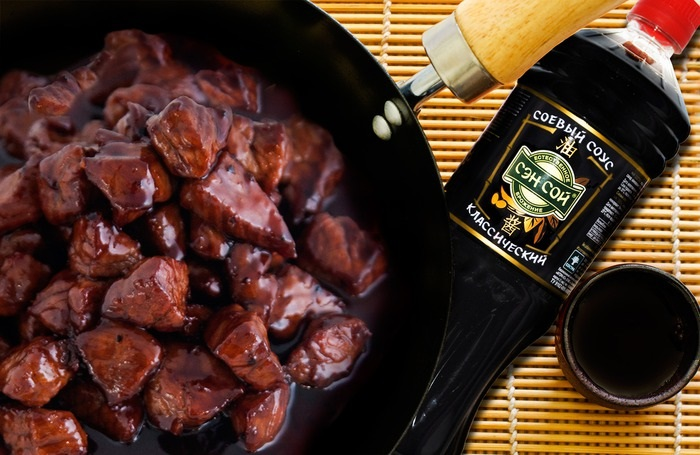 Соевый соус раскрывает вкус и аромат любого мяса. / Фото: 1000.menu