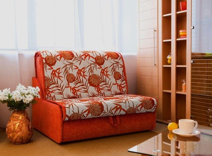 Кресло-кровать занимает мало места в комнате. / Фото: Womanadvice.ru
